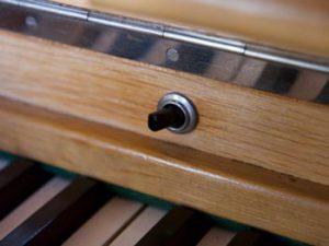 Schalter über der Tastatur