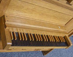 Tastatur der Tronsdorf Orgel